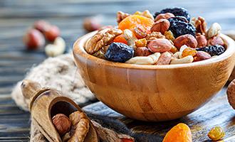 Oreščki in suho sadje veleprodaja